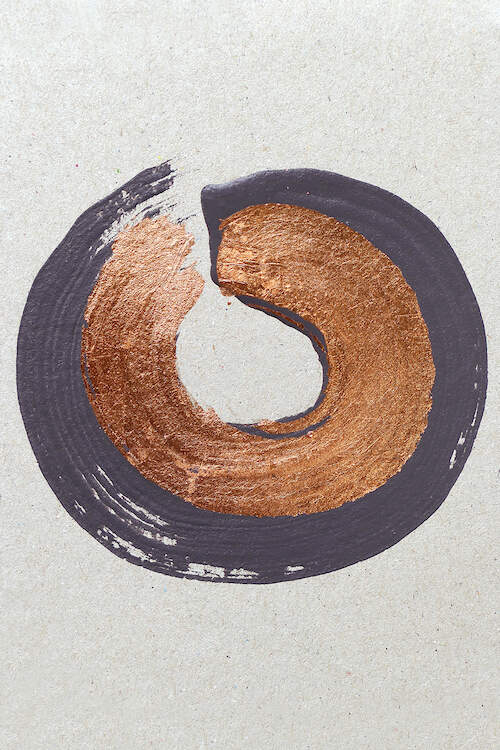 A smooth, circular brush stroke in layers of deep purple-gray and metallic copper on a linen textured white background